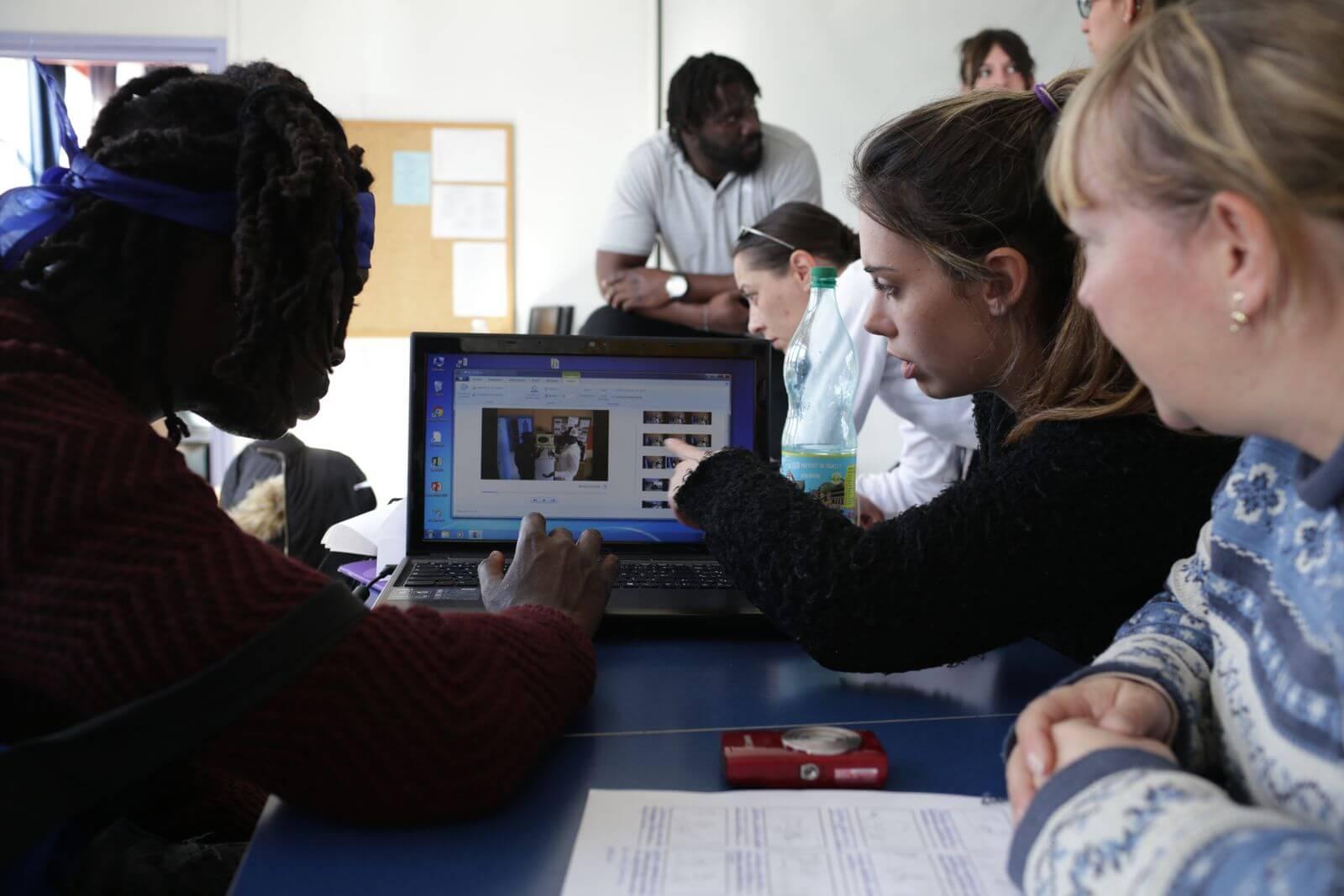 Le Cyber-r@llye scientifique : des jeunes se lancent des défis sur le net !